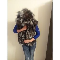Елек с качулка от естествен косъм на лисица
