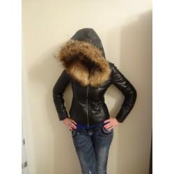 Кожено яке с качулка от естествен косъм на лисица